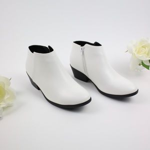 NWT White Vegan Leather Ankle Booties Zip Up Heel